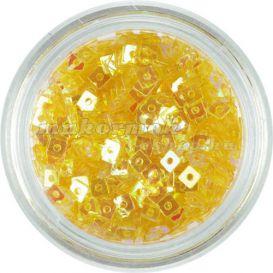 Malá ozdoba na nechty - medovo zlaté štvorčeky s dierkou