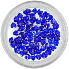 Kráľovsky modré kamienky na zdobenie nechtov - srdiečka